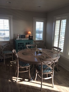 Dining area with table and leaf to seat 6