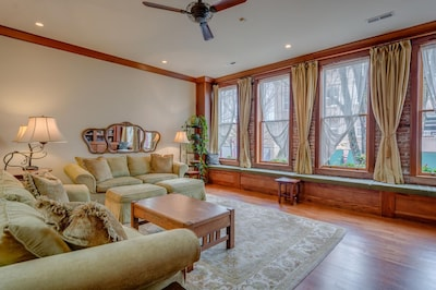 Great room with two comfortable sofas.