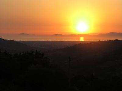 Blick von der Terrasse am Abend