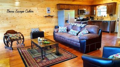Prime Location Rustic Elegant Mountain Cabin