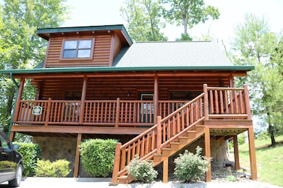 Peaceful location just 5-7 minutes from the Forge!  Pet friendly 2 bed 2 bath