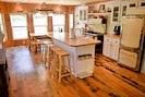 Gourmet Island Kitchen