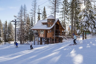 If Hansel and Gretel got together with Harry Potter and built a storybook chalet, THIS would be it!