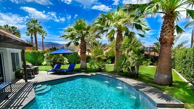 Desert Rock Oasis: large, private backyard with saltwater pool & mountain views