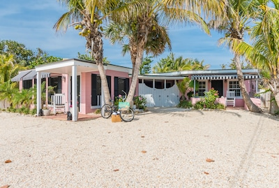 Welcome to our Vintage Florida Beach Cottage Paradise Found Florida!