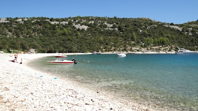 Luka beach Rakalj