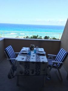 Tropea bilocale con spettacolare vista sul mare, scala privata accesso spiaggia
