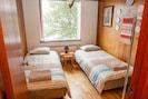 Bedroom 2, 2x 90 cm wide beds