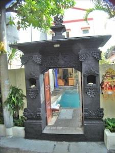 Hidden Garden Villa #6 Entrance