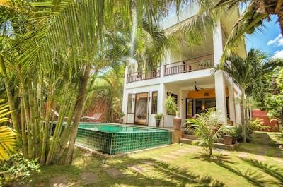 Villa von dem tropischen Garten