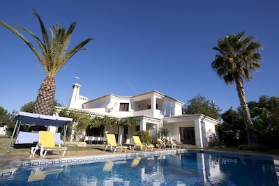 Perfect family property with private pool, barbecue and garden