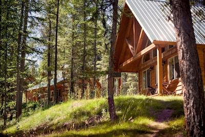THE RIDGE AT GLACIER | Five Mountain Cabins