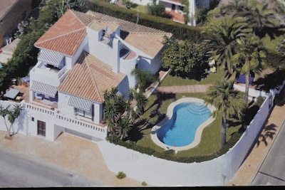 Villa Seghers - Family friendly with sea views and private pool