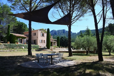 Maison d'hôtes la Bastide de la Provence Verte, 40 min d'Aix en provence