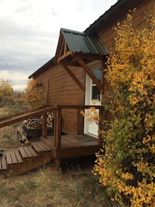 """Eagle's Nest Boxcar Cabin, the """"Nest"""""""