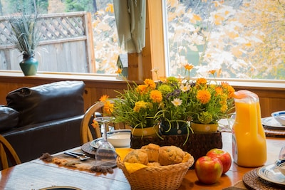 Fall Breakfast table