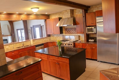 Fully equipped kitchen with huge fridge!