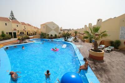 MareVerde | New renovation | 2 bedrooms | sleeps 4 | Top Location | Playa Fañabe