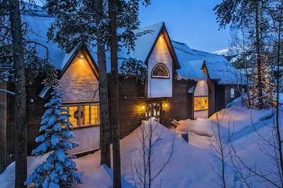 The Ski Hill Lodge.  Breckenridge vacation homes, rentals and lodging