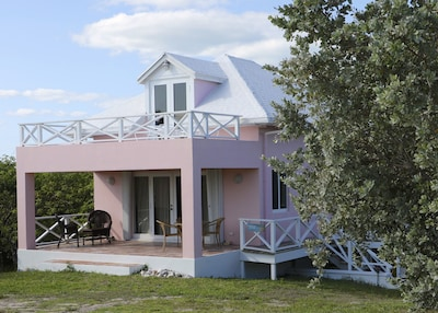 The Cottage: Upper and lower deck for sunning and relaxing