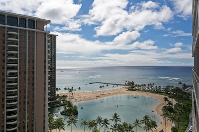 Lagoon and Ocean view from your lanai