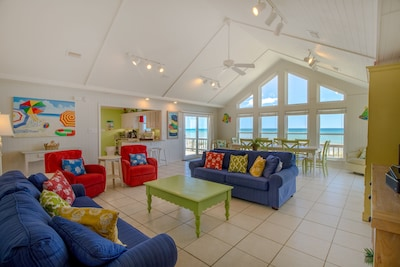 Living Room - Airy Living Room With the Remarkable View of the Gulf
