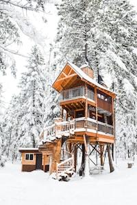 treehouse winter wonderland
