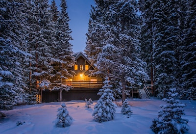 Private European Style Chalet Nestled In The Forest.  Enchanting Location!