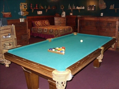 Pool Table with Queen bed and Hot Tub...What a COMBO!!!