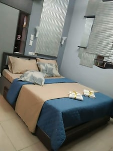 Sleeping area - queen size bed