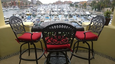 New table and chairs for the balcony, very nice