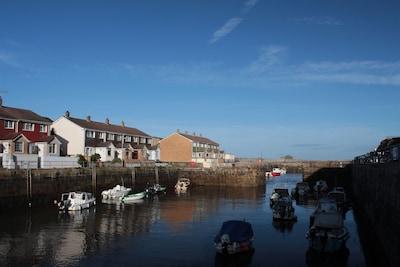 Stunning harbourside location