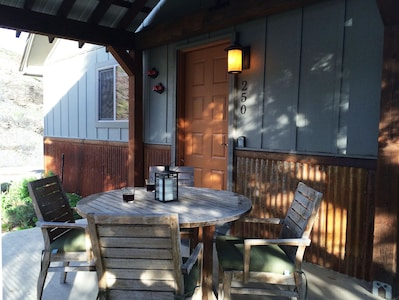 Happy hour on the porch!