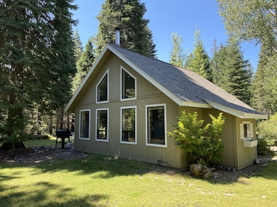 Welcome to The Hideaway! Your Mt Shasta Home-Away-From Home!