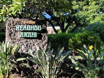 Keauhou Akahi - at mile marker 6.5 on Alii Drive