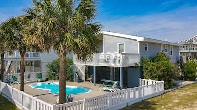 4 Bedroom 3 Bath Home with Private Pool on Oceanside