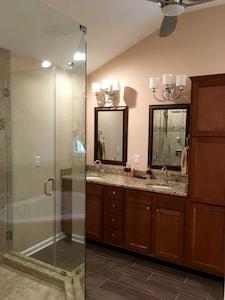 Master bath with huge rainfall shower, three body jets!