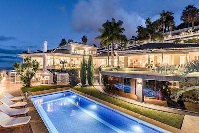 """Luxury villa  """"Circense"""",heated pool ,Garden"""