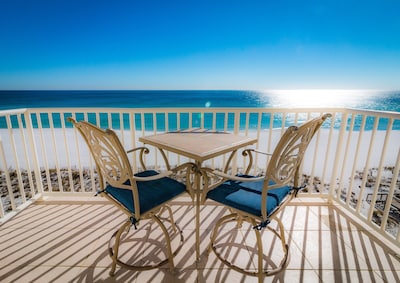 Stunning - unobstructed - beach front views!