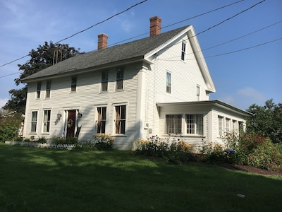 Historic Windswept FarmStay In Central NH