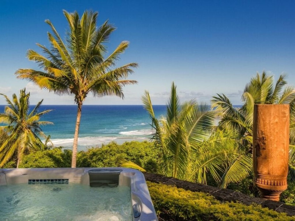 This Kauai Airbnb comes with a jacuzzi overlooking the bay