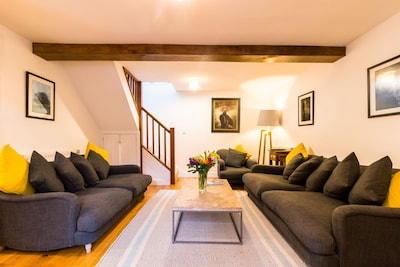 Extremely comfortable Entire Cotswold House available