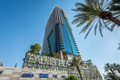 NEWLY REMODELED PENTHOUSE 550 FEET ABOVE THE LAS VEGAS STRIP!!