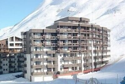 Conveniently situated on the piste