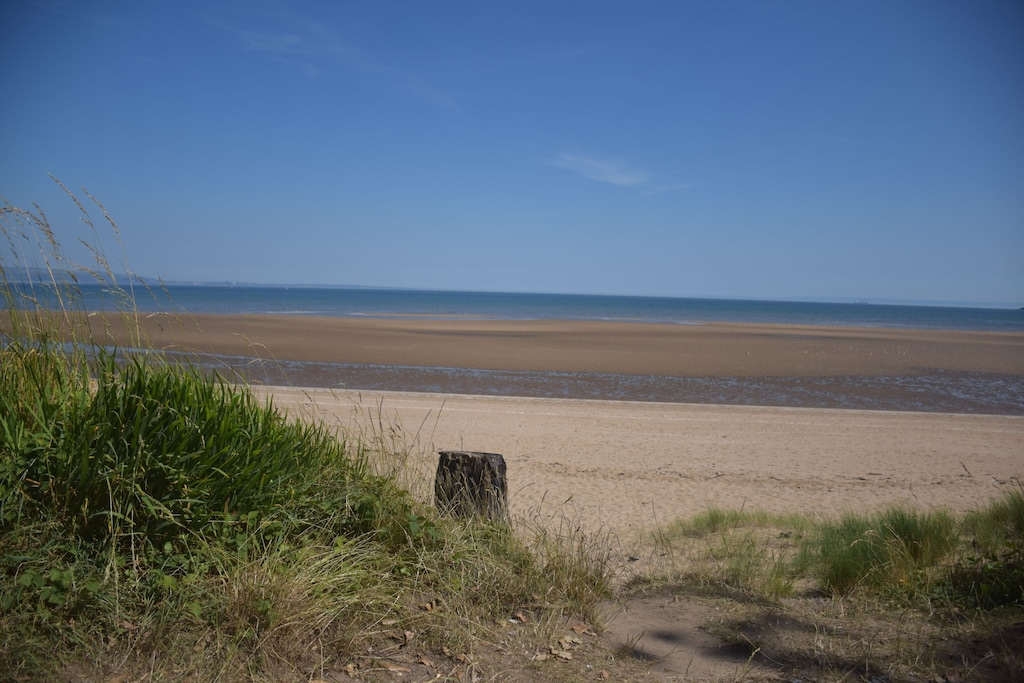 Family Sized Seafront Home Close To Gower Swansea