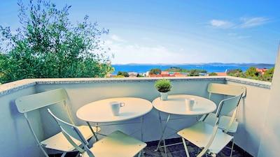 Balcon avec vue sur la mer Adriatique et les îles - exposition sud-ouest
