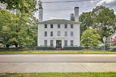 Norwich Vacation Rental   5BR   3.5BA   2,000 Sq Ft   3 Stories
