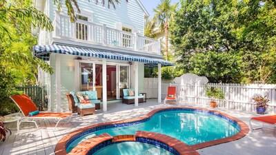 1-1223MARGARET-16x9-pool&house.jpg