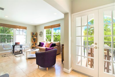 Beautiful corner nit with Open living room and balcony access