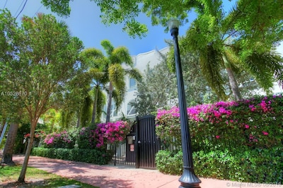Gated and Lush Landscaping = PRIVACY